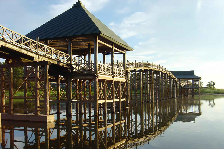 鹤之舞桥和津轻富士见湖