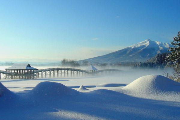津轻富士见湖的冬天